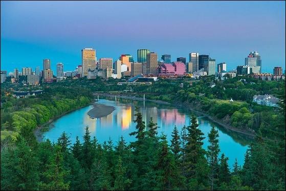 Quelle ville se trouve au Canada ?