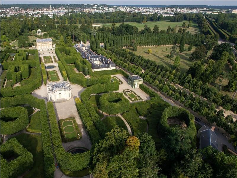 Dans quel département faut-il aller pour visiter le domaine de Marie-Antoinette ?