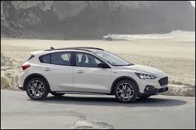 Version baroudeur d'une compacte américaine. Elle est produite depuis 2018, quelle est cette voiture ?