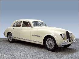 Continuons avec une autre Bugatti, celle-ci est très rare et elle n'a pas été conçue par Jean Bugatti. Quelle est cette Bugatti ?