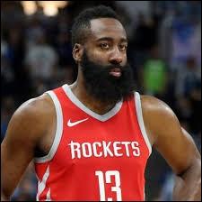 Qui est ce joueur barbu très connu ?