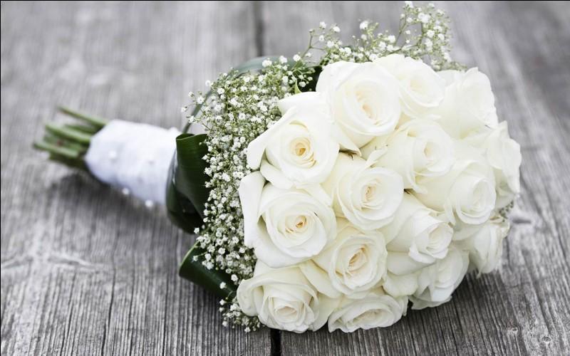 """""""Quatre mariages et un enterrement"""" est un film joué par Hugh Grant."""