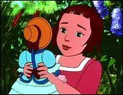 - La Poupée de cireD'où provient la belle poupée et qui l'a envoyée à Sophie qui va finir par la 'torturer' ?