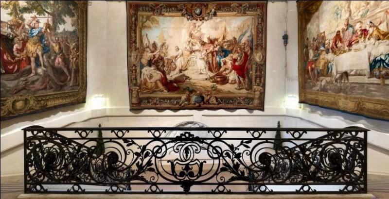 Au 15e siècle, ces teinturiers venus de Reims s'installèrent rue Mouffetard, à Paris, ils ignoraient alors que leur nom allait devenir celui d'une manufacture célèbre !