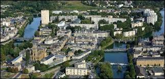 Laquelle de ces villes se situe dans les Ardennes ?