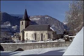 Aujourd'hui, notre balade commence en Occitanie, à Bazus-Aure. Village de la vallée d'Aure, dans l'arrondissement de Bagnères-de-Bigorre, il se situe dans le département ...