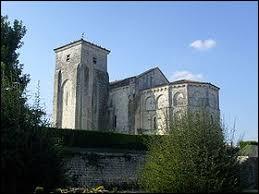 Nous partons maintenant en Charente-Maritime, à Beurlay. Nous serons en région ...