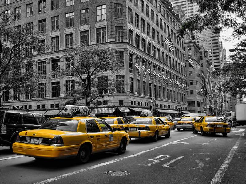 De quelle marque est le modèle des fameux taxis jaunes de New York ?