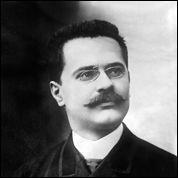 Ce journaliste français, directeur du Figaro depuis 1902, a été assassiné en mars 1914 après avoir lancé, une virulente campagne contre Joseph Caillaux, ministre des Finances dans le gouvernement Doumergue. C'est ...