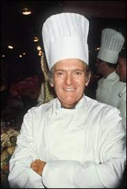 Ce pâtissier français, chef d'entreprise fondateur d'une école de pâtisserie, auteur de plusieurs livres de cuisine, c'est ...