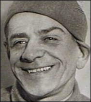 """Ce chanteur, interprète comique, qui a connu un grand succès entre 1925 et 1935 avec notamment """"Je n'suis pas bien portant"""", c'est ..."""