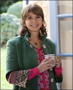 Que veut Caroline, la mère de Clem ?