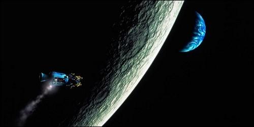 """Dans """"Apollon 13"""", combien de membres partent dans l'espace ?"""
