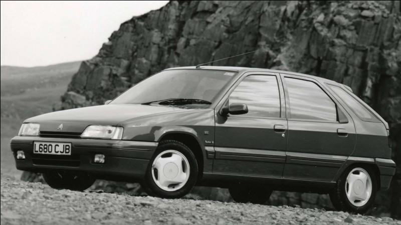 La ZX est la dernière Citroën qui possède...