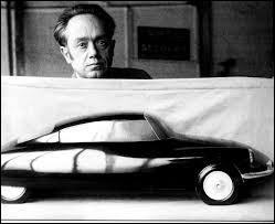 Que faisait Flaminio Bertoni avant de dessiner des voitures ?