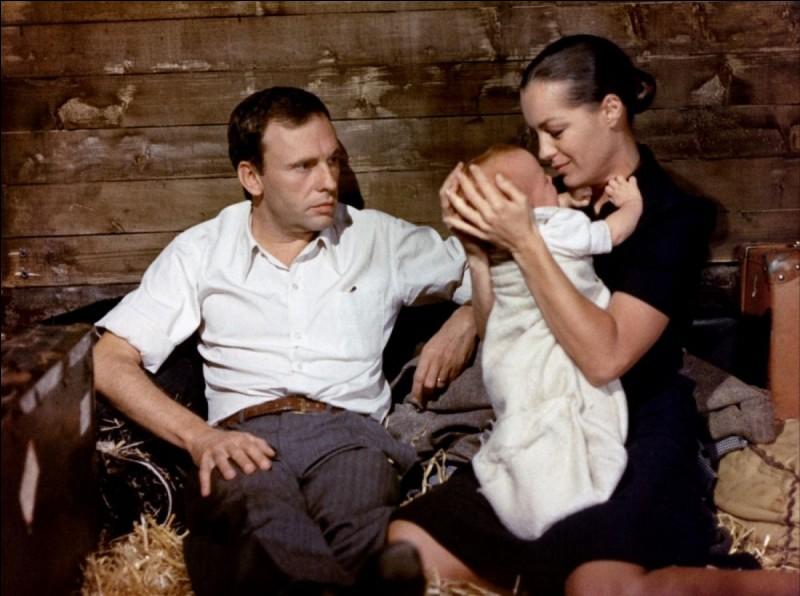 """Quel réalisateur français a tourné le film """"Le Train"""" (1973) avec Romy Schneider et Jean-Louis Trintignant ?"""