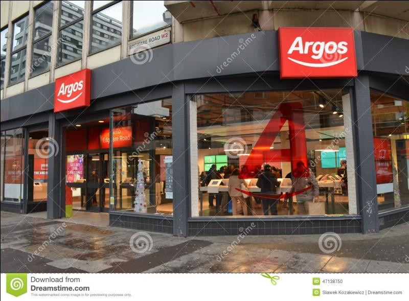 """Le mot """"Argos"""" peut désigner à la fois :"""