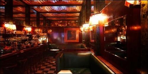"""Le """"Loos Bar"""" est un établissement :"""