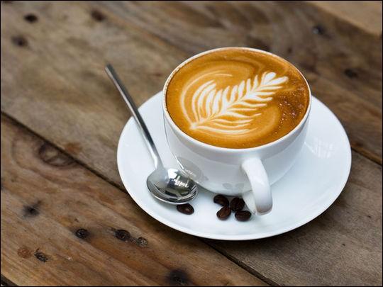 """Complétez la phrase : """"I ... coffee""""."""