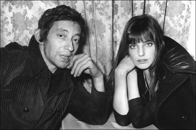 """Serge Gainsbourg et Jane Birkin chantent : """"je vais je vais et je viens entre tes reins et je me retiens .... tu es la vague, moi l'île nue tu vas et tu viens entre mes reins tu vas et tu viens..."""" : quel est le titre ?"""