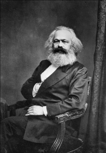 """Qui a dit """"l'histoire de toute société jusqu'à nos jours n'a été que l'histoire de luttes de classes."""" ?"""