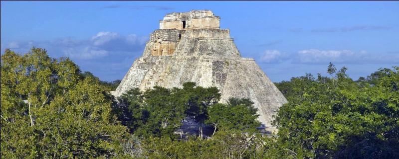 Dans quel pays actuel se trouvent les ruines de la cité maya d'Uxmal ?