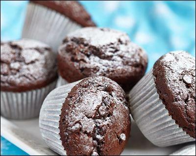Combien y a-t-il de muffins au chocolat sur cette image ?