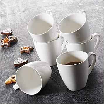 Combien y a-t-il de tasses à café sur cette image ?