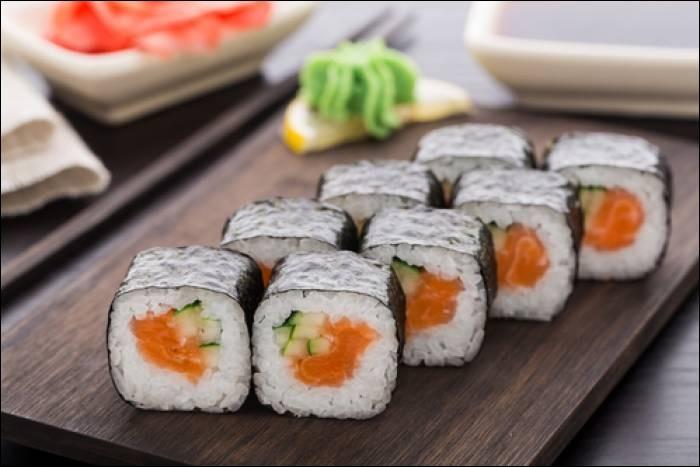 Combien y a-t-il de sushis sur cette image ?