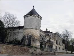 Je vous propose de commencer aujourd'hui notre balade dans la Marne, à Ablancourt. Nous sommes en région ...