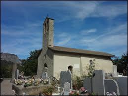 Prenons un peu de hauteur, avec cette visite de Venterol. Village de l'arrondissement de Forcalquier, à 1000 mètres d'altitude, il se situe dans le département ...