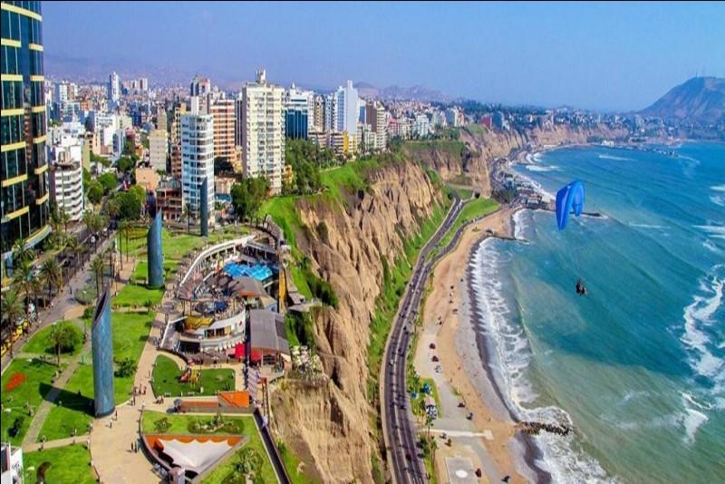 Qui sont les habitants de Lima, au Pérou ?