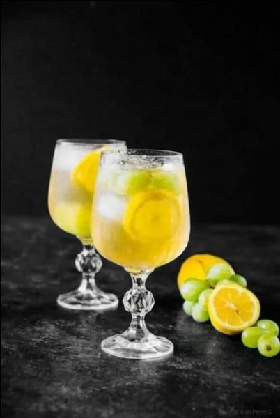 Dans quel cocktail ne met-on pas une tranche de citron ?