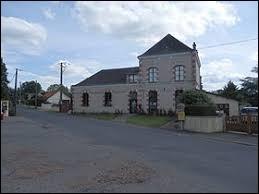Village Sarthois, Saint-Mars-de-Locquenay se situe en région ...