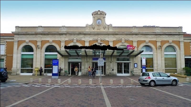 Dans quelle ville du département de l'Aude, cette gare est-elle située ?