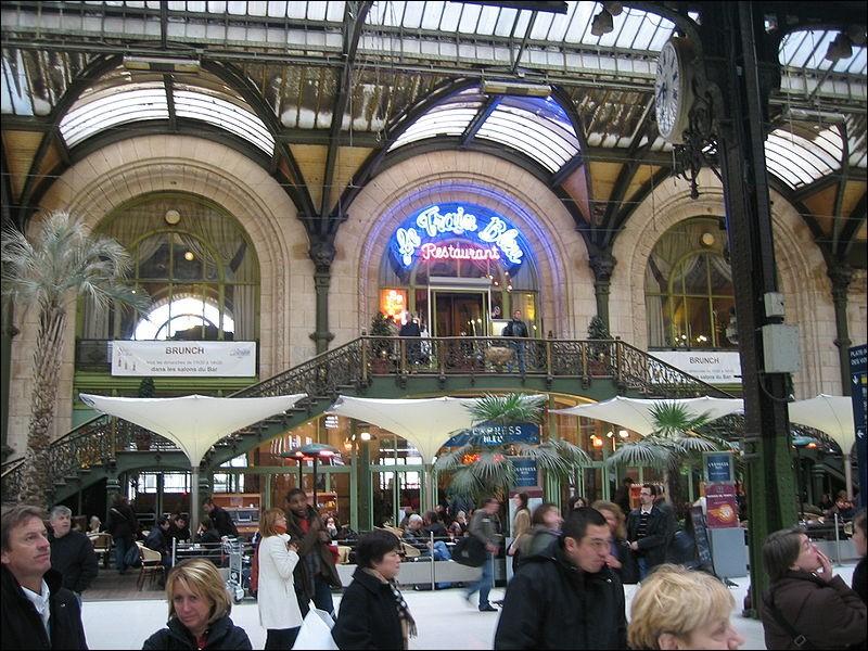 """Dans quelle gare de Paris, pouvons-nous aller dans le restaurant """"Le Train bleu"""" ?"""