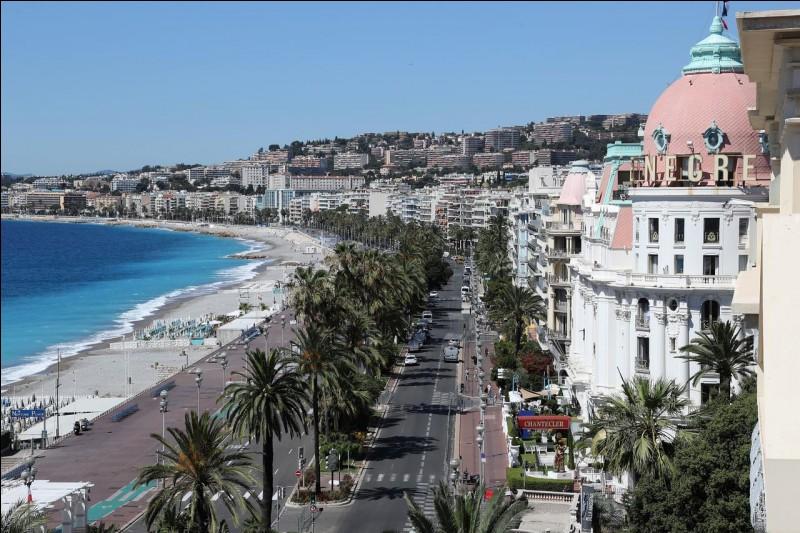 """Dans quelle ville française se trouve """"La promenade des Anglais"""" ?"""