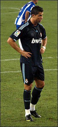 Pour combien le Real a-t-il acheté Cristiano Ronaldo ? Pour :