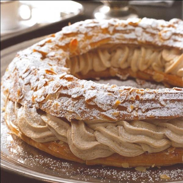 Quelle est la forme du Paris-Brest, ce dessert qui rend hommage à la célèbre course cyclique partant de Paris pour arriver à Brest ?