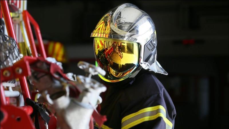 "Traduisez le mot ""pompier""."
