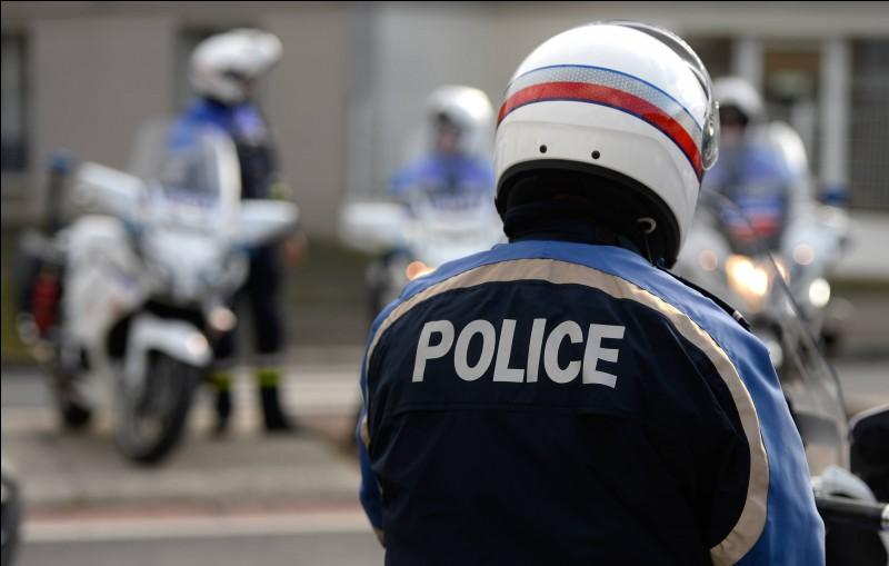 "Traduisez le mot ""policier"""