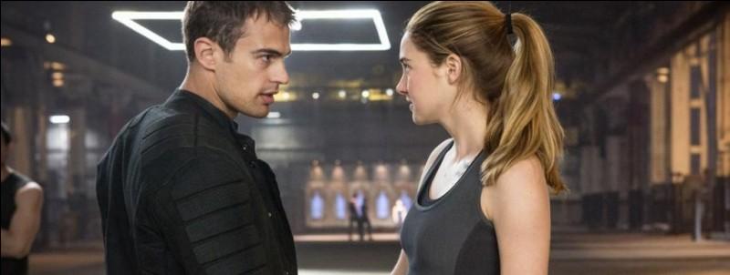 """Fourtris. Tris et Quatre forment un couple dans les livres et films """"Divergente"""", mais Tris meurt dans le troisième livre."""