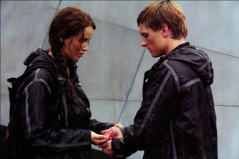 """Peetniss. C'est dans le deuxième tome de """"Hunger Games"""" que Katniss Everdeen rencontre Peeta Meelark."""