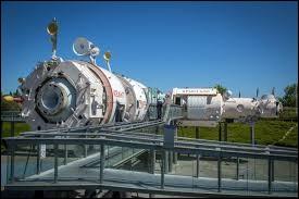 Les étoiles aussi ont leur musée. Avec la fusée Ariane, la station Mir, des films, des espaces ludiques etc. Quel est ce musée dont une partie est en plein air ?