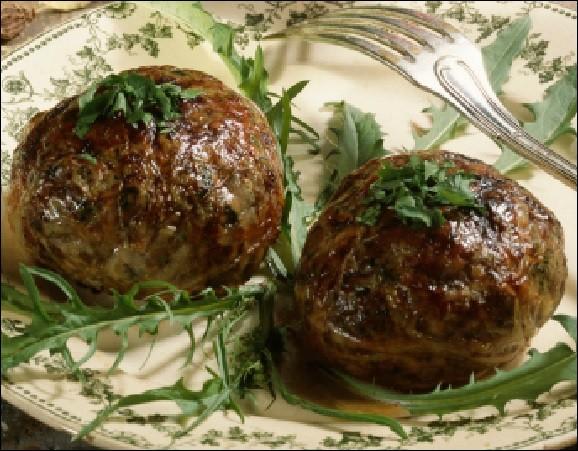 Quelle est cette célèbre cochonnaille du Dauphiné, préparée à base de porc, épinards, blettes ou autres herbes ?