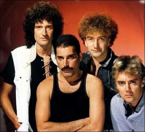 Selon le titre d'une chanson de Queen, comment est la 'radio' ?