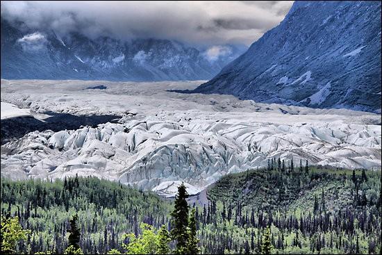 Où se situe le gigantesque glacier Matanuska ?