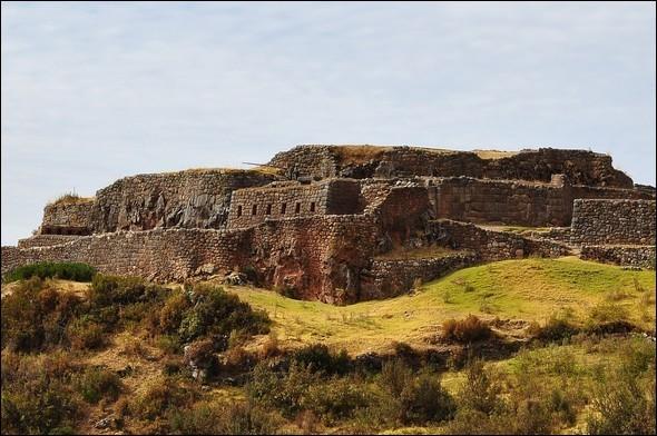 """Où devrez-vous aller, non loin de Cuzco, pour voir le site archéologique """"Puca Pucará"""" ?"""