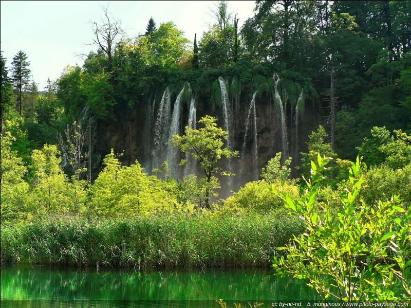 Où peut-on visiter le parc national des lacs de Ptlitvice, devenu patrimoine mondial de l'UNESCO ?
