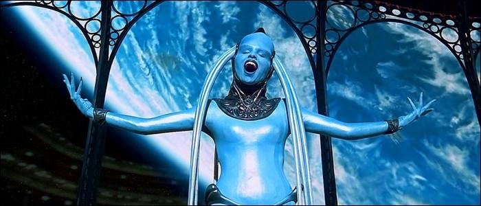 """Dans quel film de Luc Besson une diva bleue chante-t-elle le thème de l'opéra """"Lucia di Lammermoor"""" ?"""